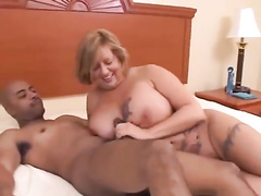 Diva takes nightgown off and takes black cock in pussy
