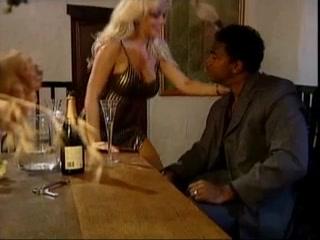 White retro blonde hottie gets bbc hardcore